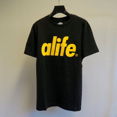 Alife Core Tee Black in the group Clothes / T-shirts at Sivletto - Skylark AB (35-40925)