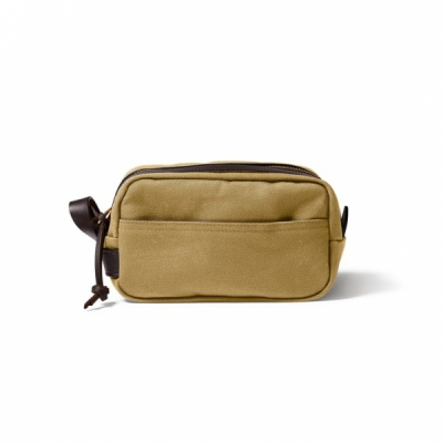 Filson Rugged Twill Travel Kit Dark Tan in the group Men / Accessories / Bags at Sivletto - Skylark AB (Filson-11070218-darktan)