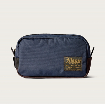 Filson Ballistic Travel Pack Navy in the group  at Sivletto - Skylark AB (Filson-20019936-navy)