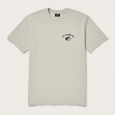 Filson Outfitter Graphic Tee Fishing Light Stone in the group Men / T-shirts at Sivletto - Skylark AB (Filson-20105783-ls)