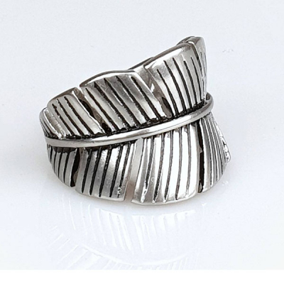 Jernhest Flo ring in the group Men / Accessories / Jewelry at Sivletto - Skylark AB (JH1)