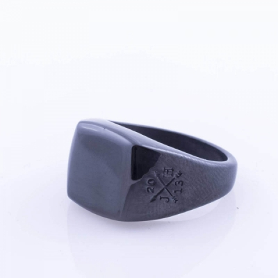 Jernhest Kenta Black Ring in the group Men / Accessories / Jewelry at Sivletto - Skylark AB (RKa16299)