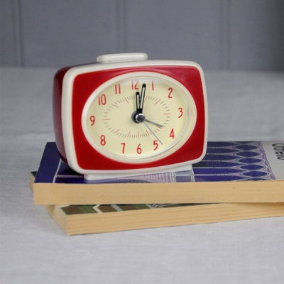 Retro TV style red alarm clock in the group Home and stuff / Electrical at Sivletto - Skylark AB (RL24954)