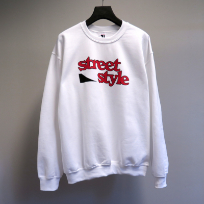 Street Style OG Sweatshirt White in the group Clothes / Sweaters at Sivletto - Skylark AB (SSOGSWHT)