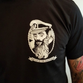 Anchor of the Seven Seas Kaparen Black Tee