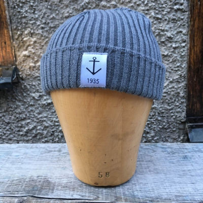Resteröds Smula Grey in the group Men / Headwear / Beanies at Sivletto - Skylark AB (w12154)