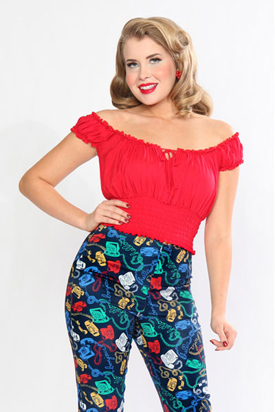 Bettie Page La Fiesta top red in the group Sale! / Women / Tops, jackets etc at Sivletto - Skylark AB (w12275)