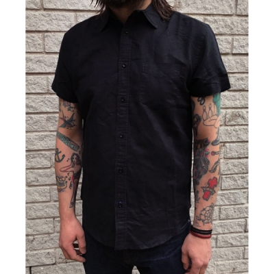 Wrangler S/S 1 pkt shirt real black in the group Clearance / Men / Shirts at Sivletto - Skylark AB (w12720)