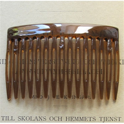 Brown hair comb in the group Hair and skincare / Combs at Sivletto (w5027-brown)