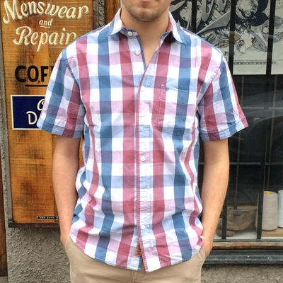 Wrangler S/S 1 Pkt Shirt Deco Rose in the group Clearance / Men / Shirts at Sivletto (w8983)